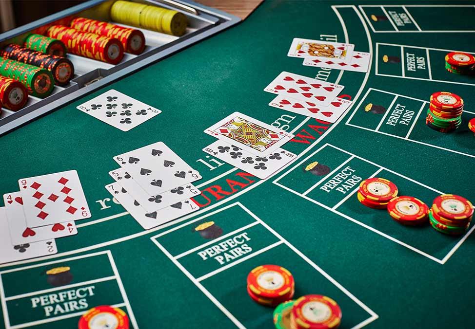 Blackjack regole strategie jackpot commissione